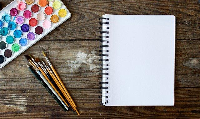 papír, štětce, akvarely