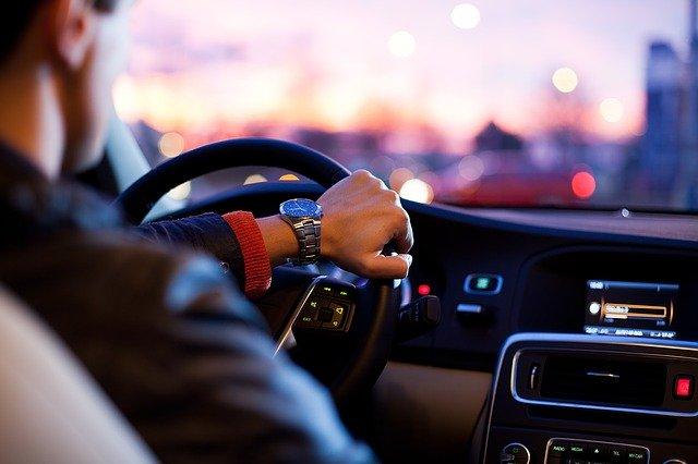 řidič automobilu